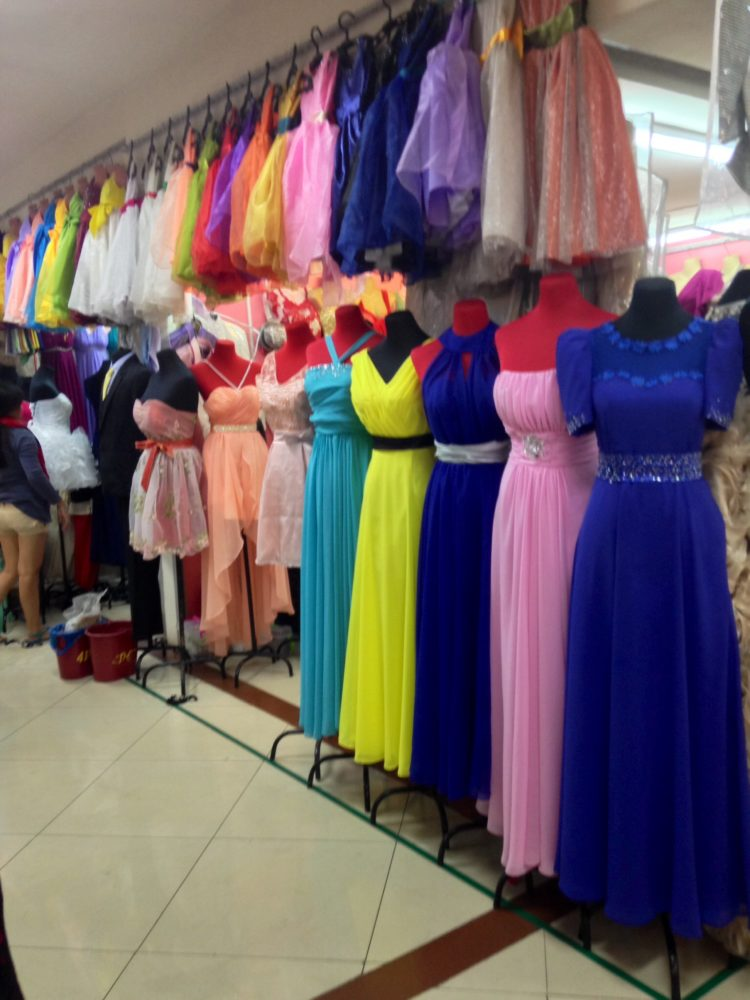 Gowns Coats And Barongs At Divisoria The Soapbox Filipinathe